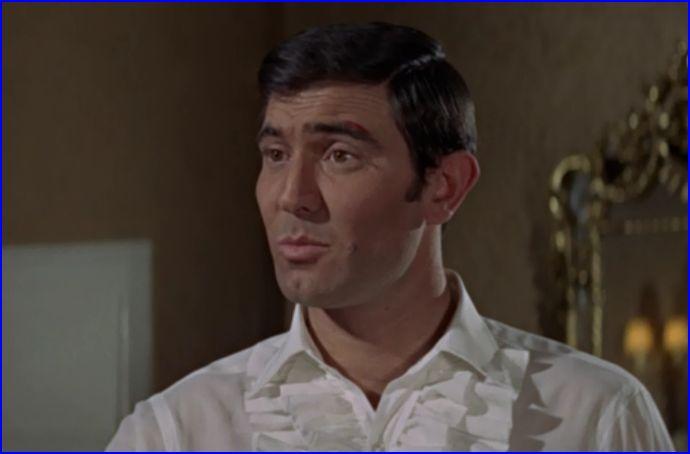 George Lazenby as 007