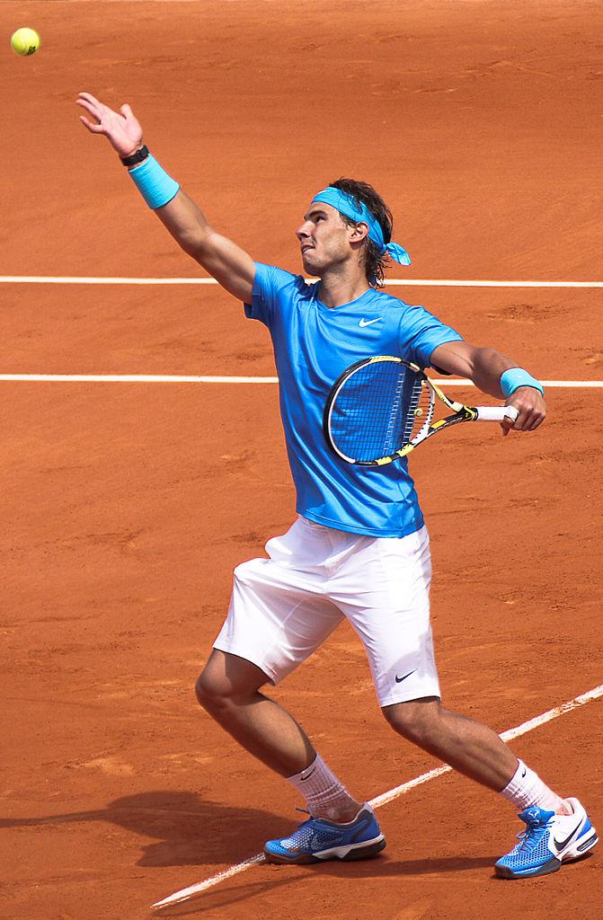 671px-Rafael_Nadal_2011_Roland_Garros_2011