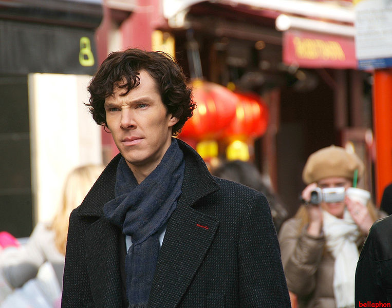 Benedict_Cumberbatch_filming_Sherlock (pic by Fat Les (bellaphon) from London, UK)